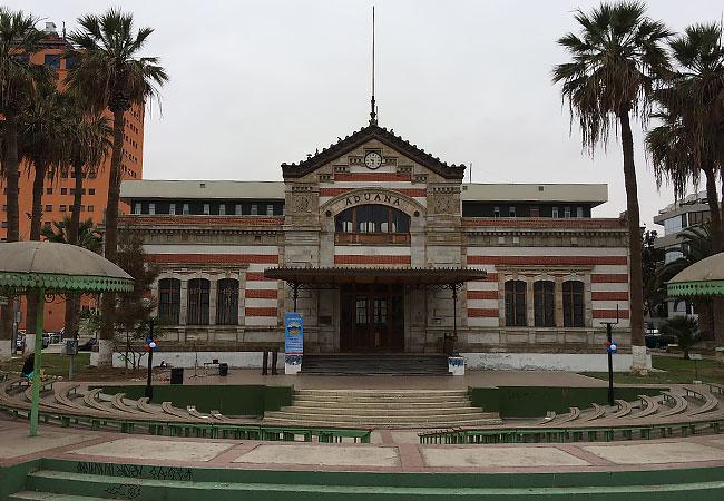 Edificio-de-la-Aduana-en-Arica