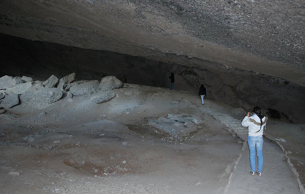 En-la-cueva-del-Milodón