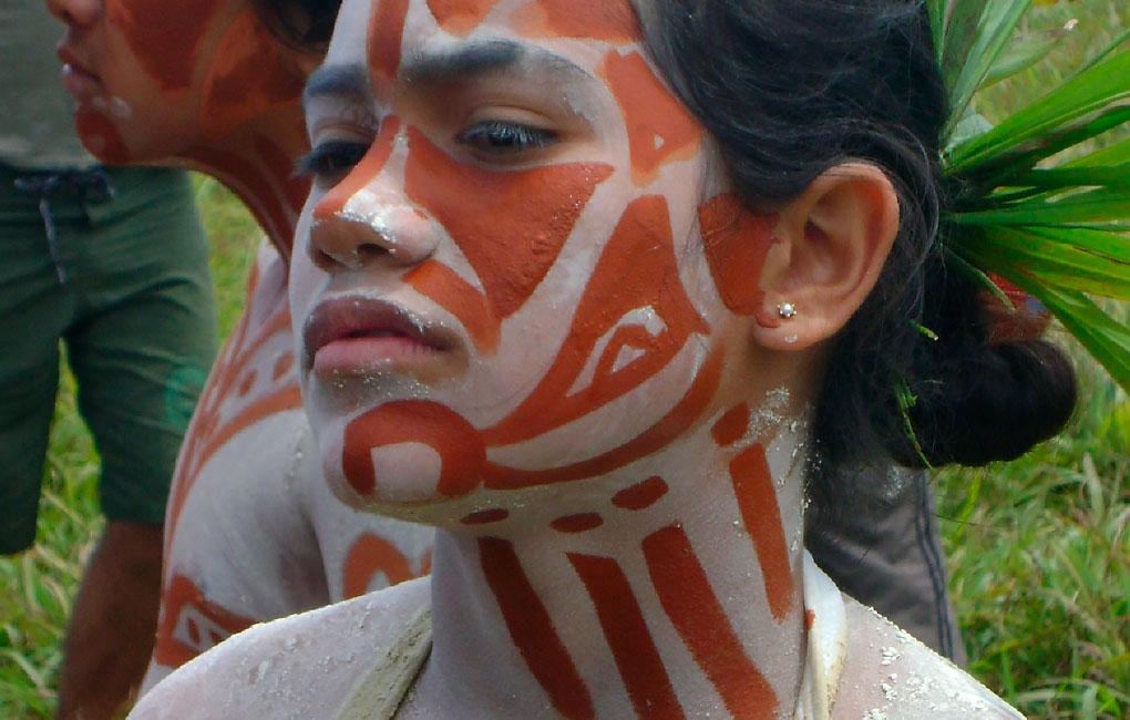 Pintura-de-cuerpos-en-niños-Rapa-Nui