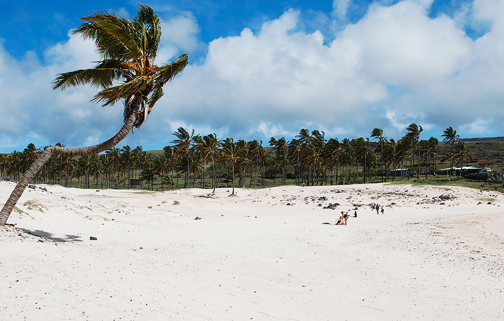 Playa-Anakena-en-Rapa-Nui